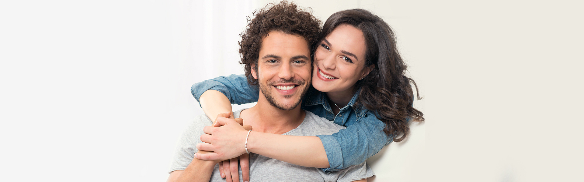 Dental Bonding Helps to Get Back Your Precious Smile before Valentine's Day